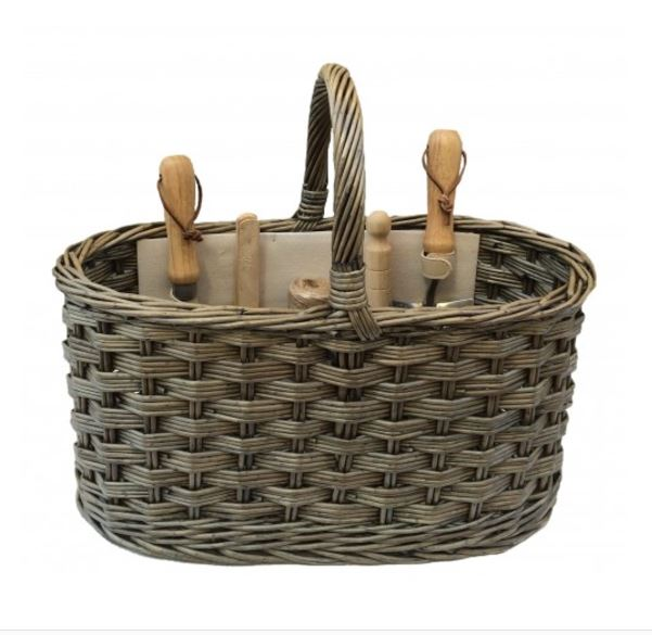 Gardening basket with tools gift ideas mygiftgenie for Gardening tools gift basket