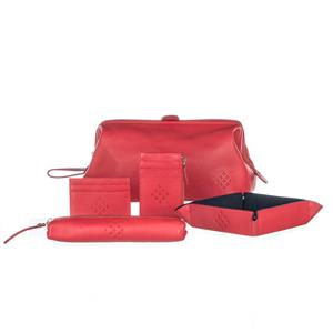 View this Red Arrows Wash Bag from MyGiftGenie. 3rd leather anniversary gifts. Free UK delivery.