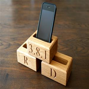 Wooden Phone Holder | 5th Anniversary | MyGiftGenie