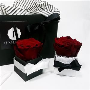 Single Eternity One Year Rose No7  | Luxury Flowers | MyGiftGenie