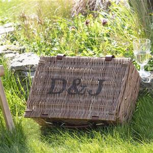 Personalised Picnic Hamper | personalised gift | MyGiftGenie